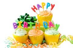 gâteaux d'anniversaire heureux Image stock