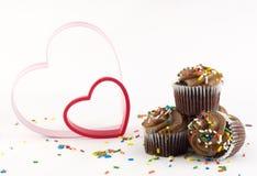 Gâteaux de chocolat avec des coeurs Photo libre de droits