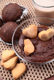 Gâteaux de chocolat, biscuits, cacao Image stock