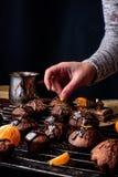 Gâteaux de chocolat faits maison Images stock