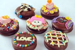 Gâteaux de chocolat pour des enfants Image stock