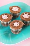 Gâteaux de chocolat remplis par framboise verticaux Images libres de droits