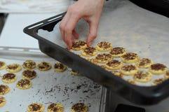 Gâteaux de cuisson Images stock