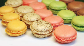 Gâteaux de différentes couleurs Photos libres de droits