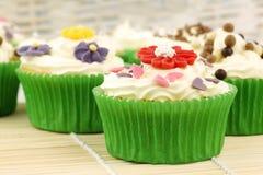 Gâteaux de fête et colorés Photos libres de droits