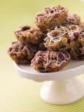 Gâteaux de Flapjack de noix et de chocolat de fruit Photos stock