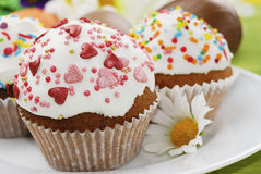 Gâteaux de Pâques et oeufs de pâques de chocolat Photo stock