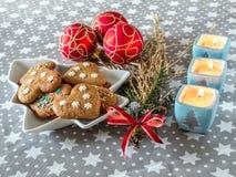 Gâteaux de pain d'épice de Noël Photographie stock libre de droits