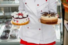 Gâteaux de participation de chef images stock