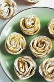 Gâteaux de roses d'Apple Photo stock
