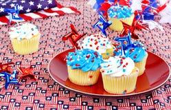 Gâteaux et décorations du 4 juillet. Images libres de droits