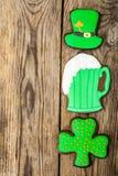 Gâteaux faits maison le jour de St Patrick photographie stock