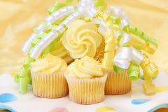 Gâteaux jaunes Photos libres de droits