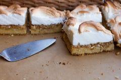 Gâteaux mousseux savoureux Images libres de droits