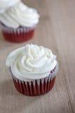 Gâteaux rouges de velours Photographie stock