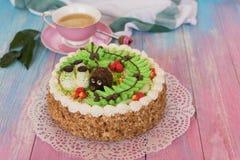 Gâteaux sur le fond de couleur Photo stock