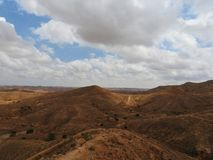 Górzysta część sahara otacza miasto Matmata, Tunezja zdjęcia stock