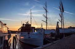Göta älv solnedgång på p Fotografering för Bildbyråer