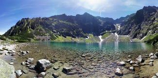 GÄ… sienicowy staw na sposobie wierzchołek, Tatry góry Zdjęcie Royalty Free