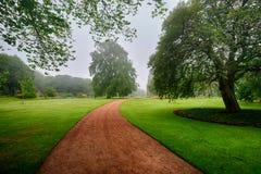 Gärten des Palastes von Holyroodhouse, Edinburgh lizenzfreie stockfotos