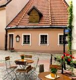 gästgivargård latvia små medeltida gammala riga Arkivbilder