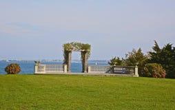 Gästgivargård Newport RI för kulle för bröllopspaljéslott Royaltyfri Fotografi