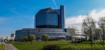 Główna ogólnoludzka naukowa biblioteka Białoruś Niezwykły budynek w nowożytnym stylu zdjęcia royalty free