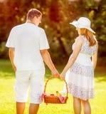 Gå att ha picknick royaltyfri bild