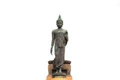 Gå Buddhastatyn på den vita isolaten Fotografering för Bildbyråer