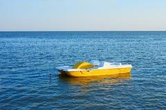 Gå catamaran Royaltyfria Bilder