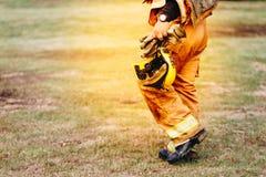 Gå för brandman Royaltyfria Bilder