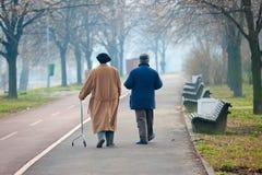 gå för pensionärer Arkivfoto