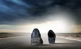 gå för skor Fotografering för Bildbyråer