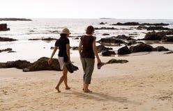 gå för strand Arkivfoto