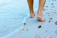 gå för strand Fotografering för Bildbyråer