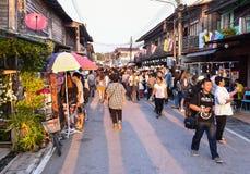 Gå gatamarknaden Chiang Khan Loei Thailand Royaltyfri Foto