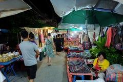 Gå gatan varje lördagkväll i Chiang Mai Royaltyfri Bild