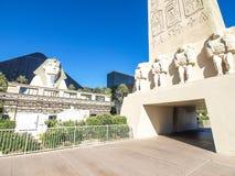 Gå i Las Vegas vägg för gator för tegelstenstadsflicka Kommersiellt och privat byggande Royaltyfria Bilder