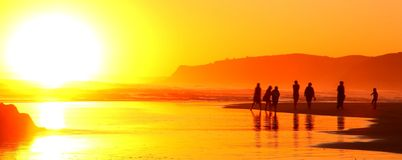 Gå in i solnedgången Arkivbild