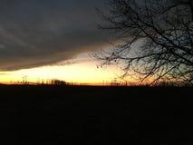 Gå in i solnedgången Fotografering för Bildbyråer