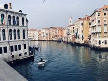 Gå i Venedig royaltyfri bild