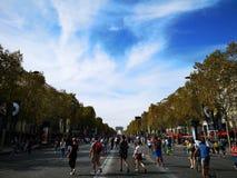 Gå mästare Elysee Dag utan bilar och förorening i Paris Royaltyfri Fotografi