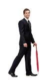 Gå mannen med det stängda paraplyet royaltyfri fotografi