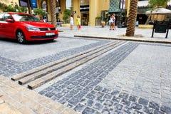 Gå på den Jumeirah stranduppehållet Fotografering för Bildbyråer