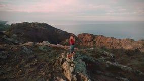 Gå på fjordar på kanten av världen lager videofilmer
