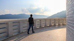 Gå runt om pagod för världsfred royaltyfria foton
