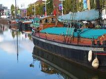 Gå runt om skrovmarina och promenera floden Humber och skeppsdockor Royaltyfri Fotografi