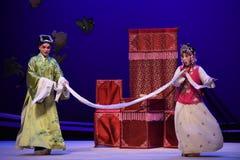 """Gå som gå-mellan-Kunqu västra Chamber†för opera""""the  Royaltyfria Foton"""