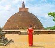 Gå till Abhayagiri Vihara Arkivbilder