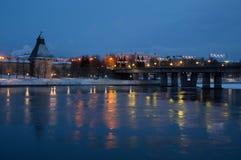 Gå till och med den forntida staden av Pskov i vinter Fotografering för Bildbyråer